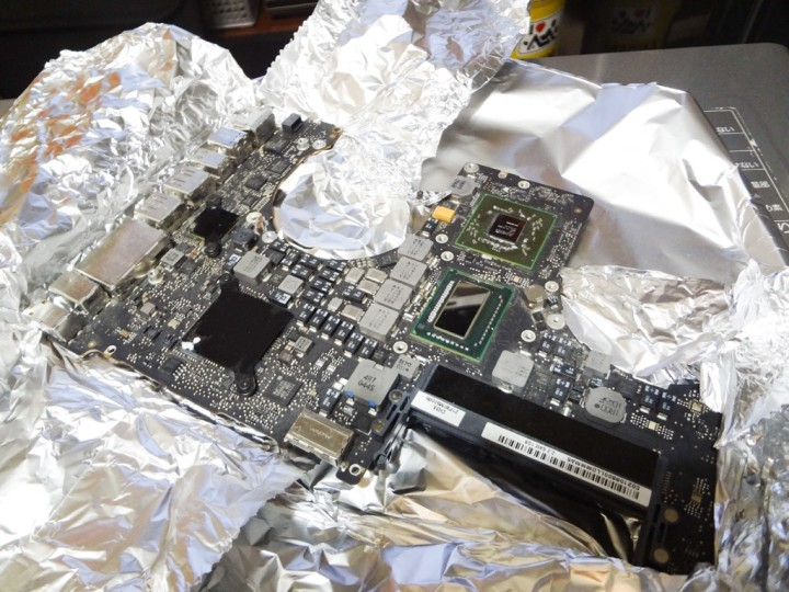 macbookpro-early2011-logic-board-malfunction-oven-heating-1DSC03937